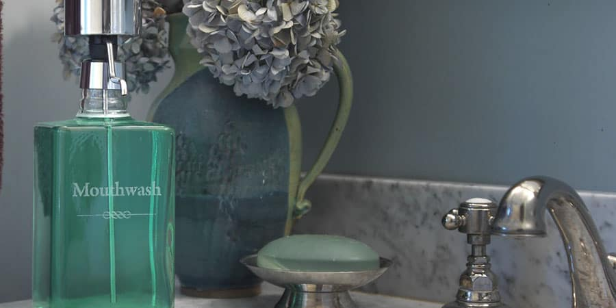 What To Look For In A Whitening Mouthwash